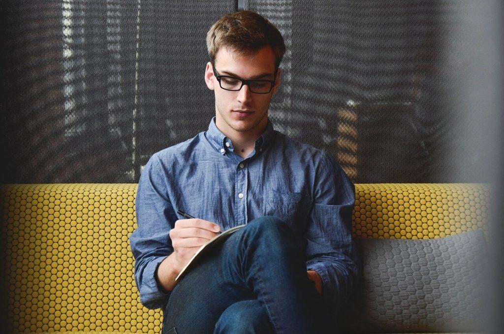 Czy warto przejść na swoją działalność? Copywriting od kuchni