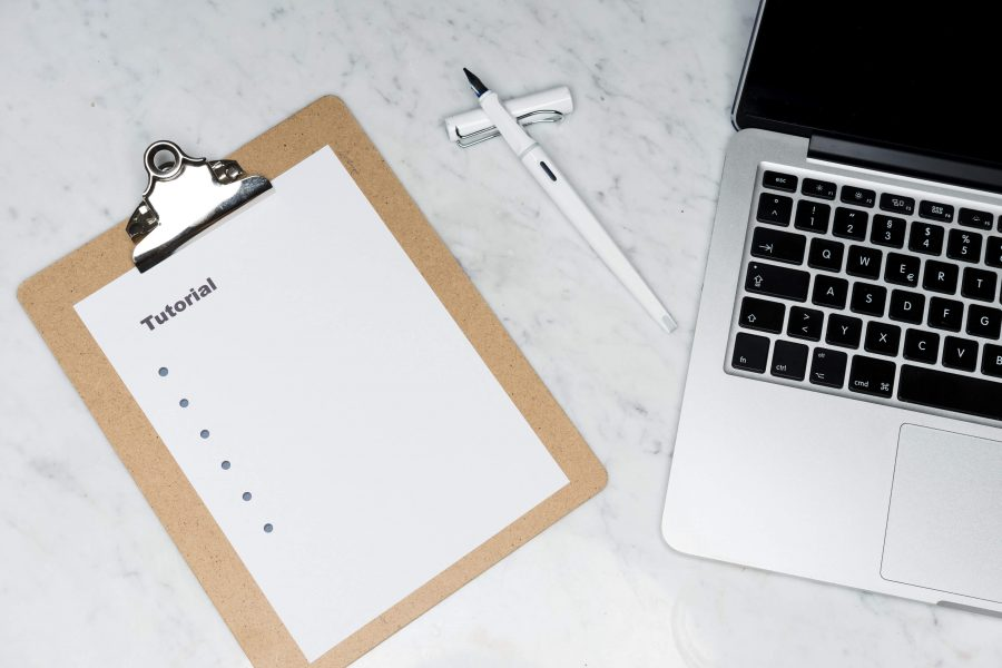 Jak zacząć pracę z pisaniem tekstów? Poradnik początkującego copywritera
