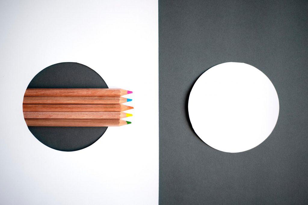 Kolorowe kredki ołówkowe