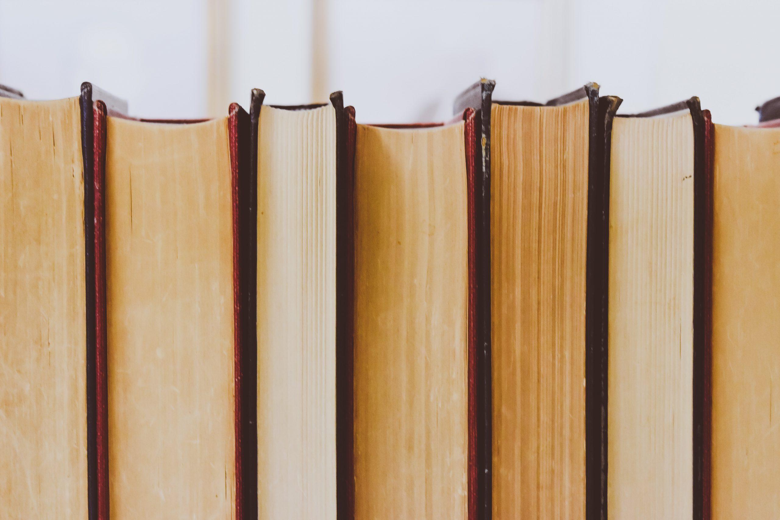 Jak zaprojektować okładkę książki, by wzrosła jej sprzedaż?